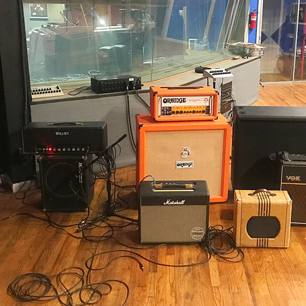 pearl-sound-studios-guitar-amps-cabinets.jpg