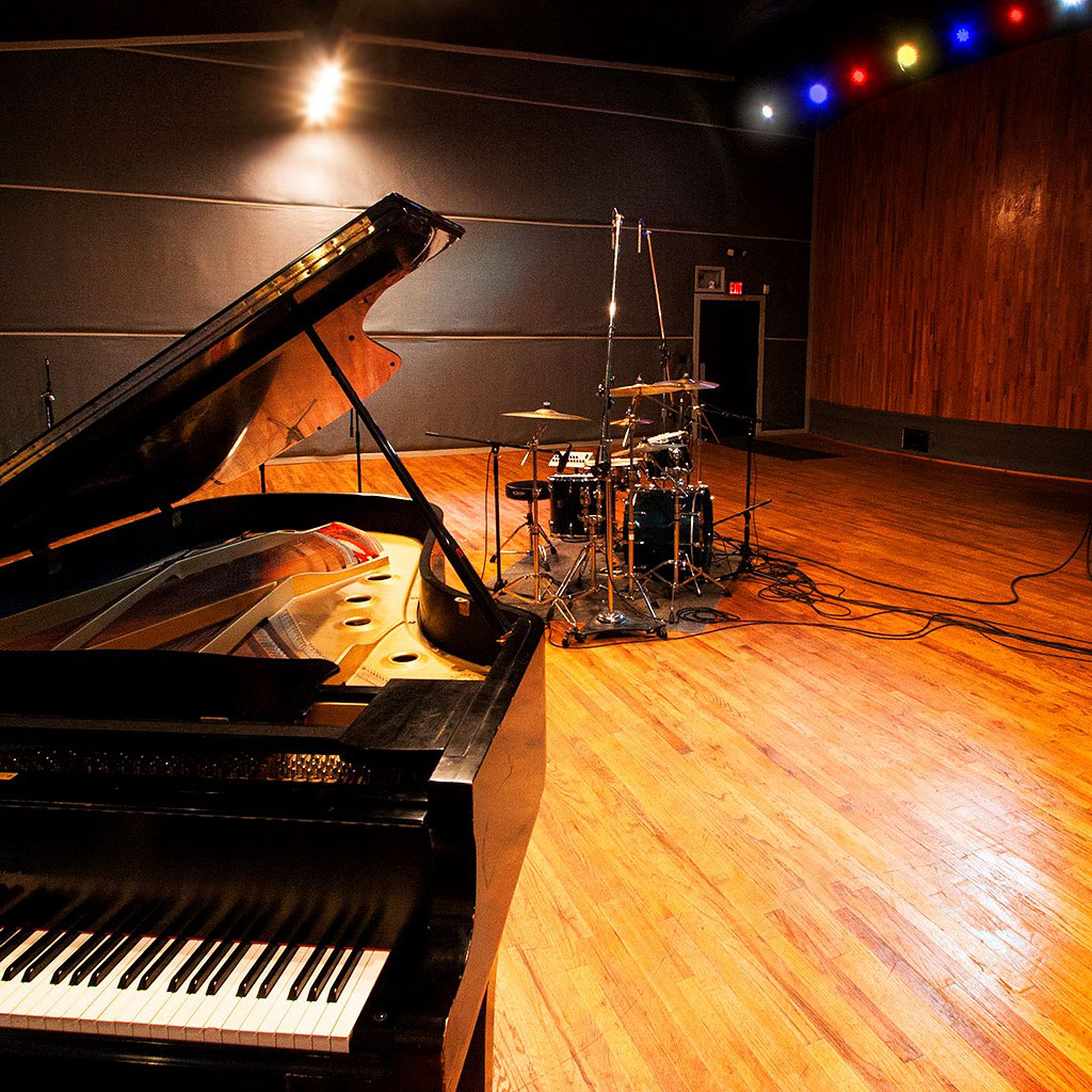 pearl-sound-studios-live-room-grand-piano-drumk-kit.jpg